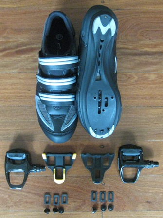 Shimano PD-R540 SPD SL clipless sport pedals and dhb R1 road cycling shoes