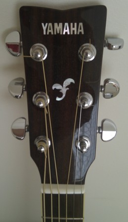 Head of the Yamaha FG720S acoustic guitar